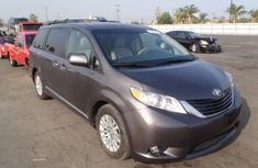 Toyota Sienna 2003 Grey in good condition for sale