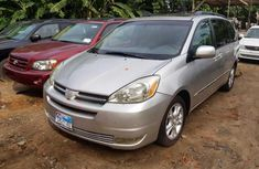 Toyota Sienna 2004 Petrol Automatic Gold for sale