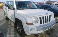 Jeep Liberty 2003 white for sale