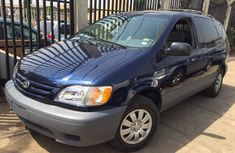 Tokunbo Toyota Sienna LE 2002 blue for sale