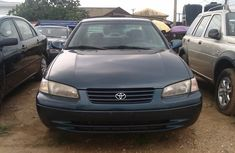 Tokunbo Toyota Camry 2000 blue for sale