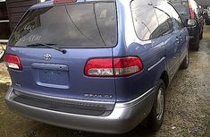 Supper Clean Tokunbo Toyota Sienna 2002 Blue for sale