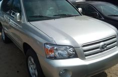 Almost brand new Toyota Highlander Petrol 2004