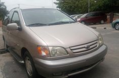 Almost brand new Toyota Sienna Petrol 2003