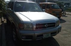 Almost brand new Nissan Pathfinder Petrol 2000