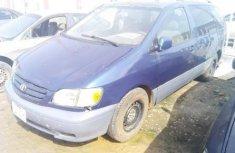 Almost brand new Toyota Sienna Petrol 2002