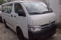 Clean2005 Toyota HIACE  bus for sale