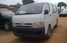 Clean 2005 Toyota HIACe bus for sale