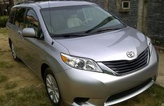 2010 Toyota Sienna silver for sale