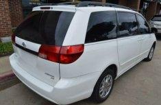 Toyota Sienna 2004 white for sale