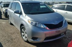 2012 TOYOTA SIENNA LE FOR SALE