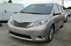 Toyota Sienna for sale 2013 toks