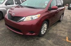 2010 Neat Toyota Sienna for sale