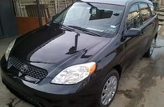 2003 Clean Toyota Matrix for sale