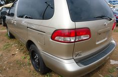 Clean 2003 Toyota Sienna for sale