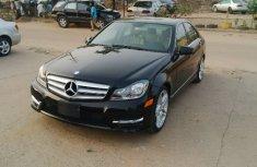 Clean Mercedes Benz E250 black colour 2006 FOR SALE