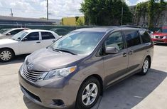 Clean Toyota Sienna 2015 For Sale