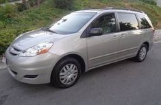 Clean Toyota Sienna 2005 For Sale