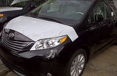 2013 Clean Toyota Sienna for sale