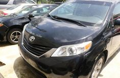 Toyota Sienna 2013 Automatic Petrol ₦3,500,000