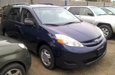 Toyota Sienna 2010 for sale.