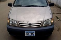 Almost brand new Toyota Sienna Petrol 2001