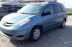 Almost brand new Toyota Sienna Petrol 2007