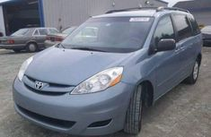 Toyota Sienna 2005 model for sale