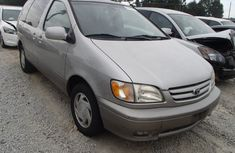 2000 Toyota Sienna for sale