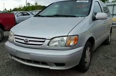 Toyota Sienna for sale 1999