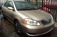 2004 Toyota Corolla gold for sale