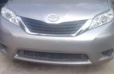Almost brand new Toyota Sienna Petrol 2011