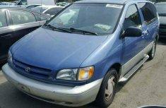 Toyota Seinna 2001 for sale