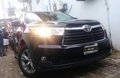 2014 Toyota Highlander Automatic Petrol well maintained