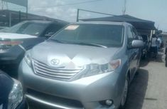 Almost brand new Toyota Sienna Petrol 2015