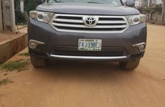Clean Nigerian Used Toyota Highlander 2012 Gray