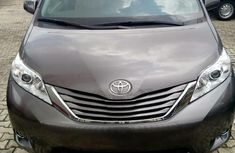 New Toyota Sienna 2016 Gray for sale
