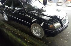 Clean Mercedes-Benz C200 2001 for sale