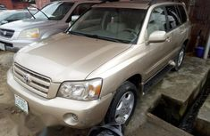 Very Neat Nigeria Used Toyota Highlander 2004 Gold