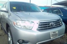 Almost brand new Toyota Highlander Petrol 2008