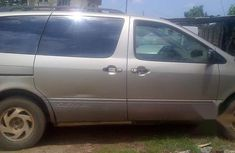 Used Toyota Sienna 1999 Gold for sale