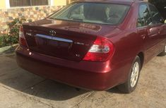 Clean Toyota Camry 2004 for sale