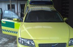 Very Clean 2005 Volvo V70 Trauma Ambulance (08023232649)