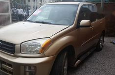 Tayota Rav4 2003 Gold for sale