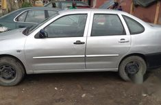 Clean Volkswagen Polo 2000 Gray