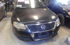 Clean Volkswagen Passat 2006 Black