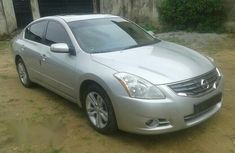 Tokunbo Nissan Altima 2010 Silver
