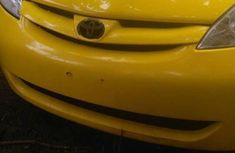Toyota Sienna 2005 Yellow for sale