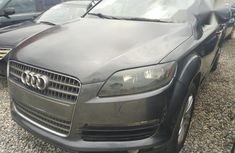 Audi Q7 2010 Gray For Sale for sale