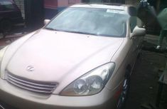 Clean Lexus Es300 2002 Gold